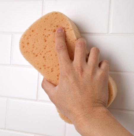 cleaning-bathroom-walls-prevent-paint-from-aging